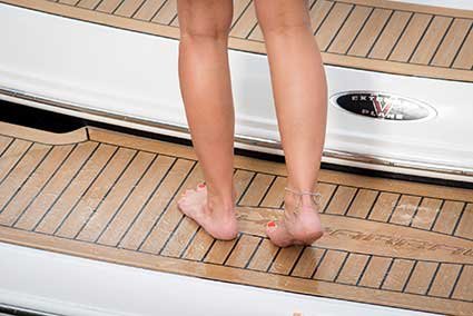 Boat decking anti-skid performance